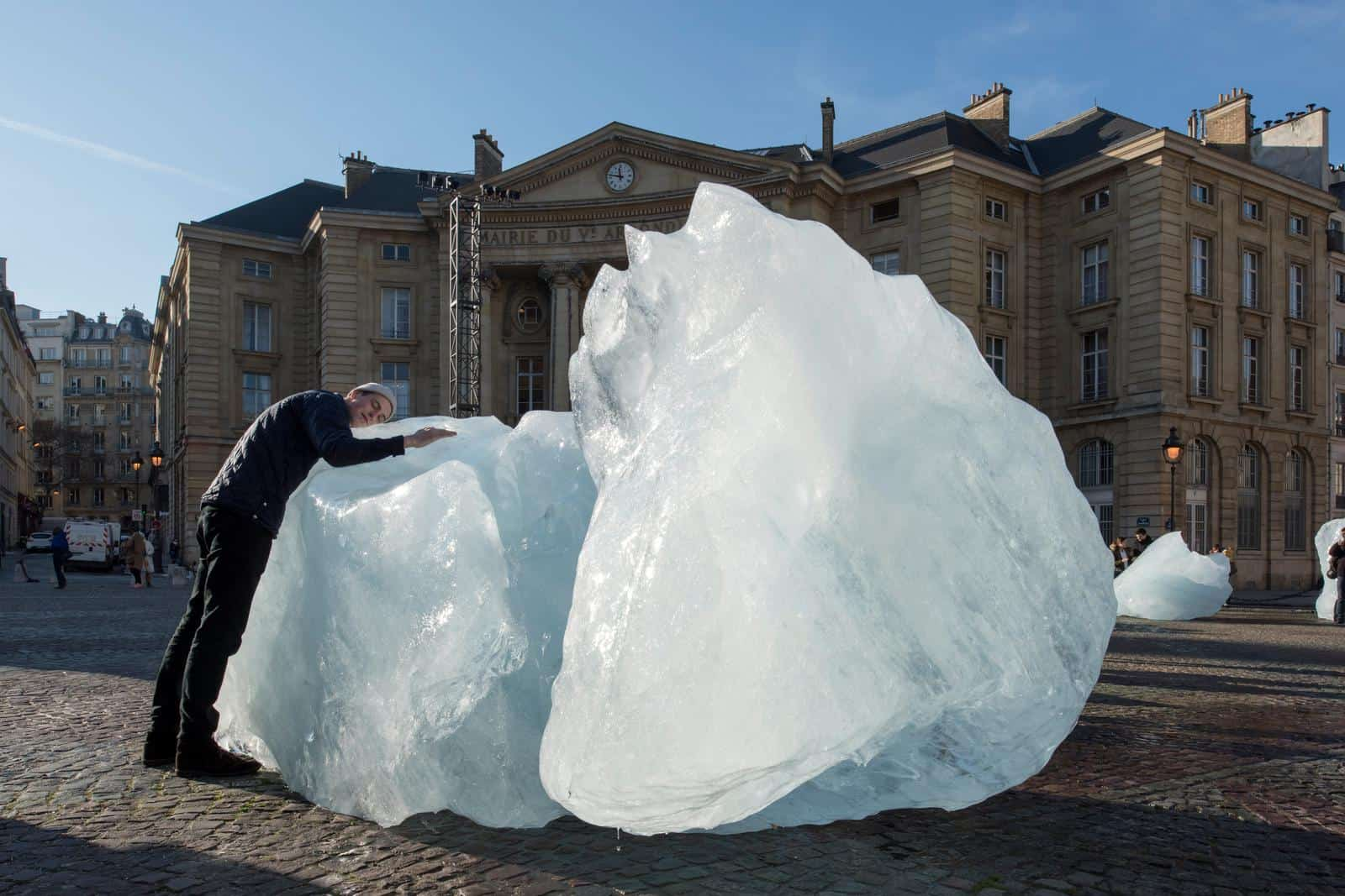 Olafur Eliasson: Ice Watch, 2014